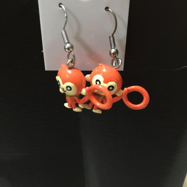猴子垂式耳環