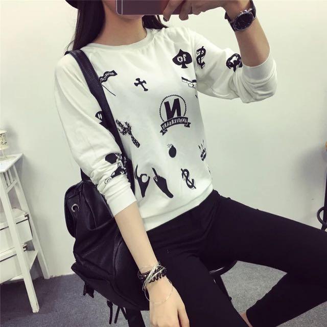 A long-sleeved T-shirt