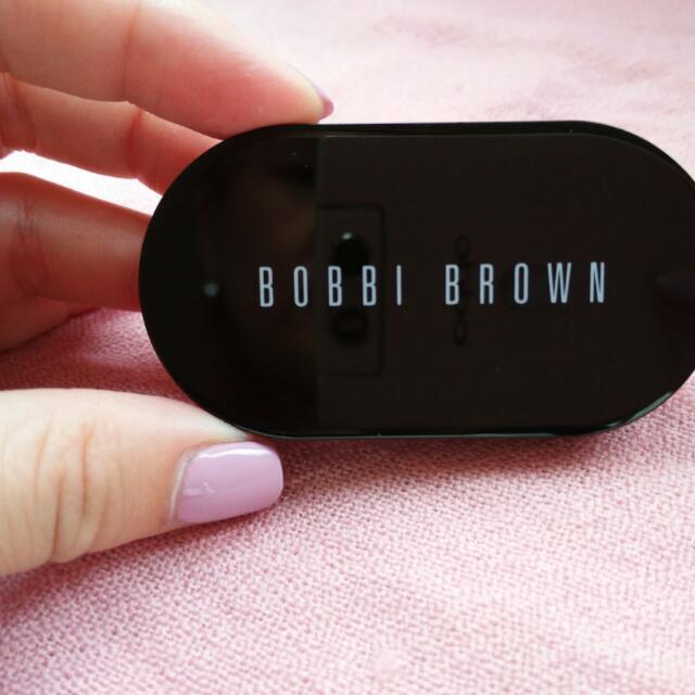 BOBBI Brown全新遮瑕膏