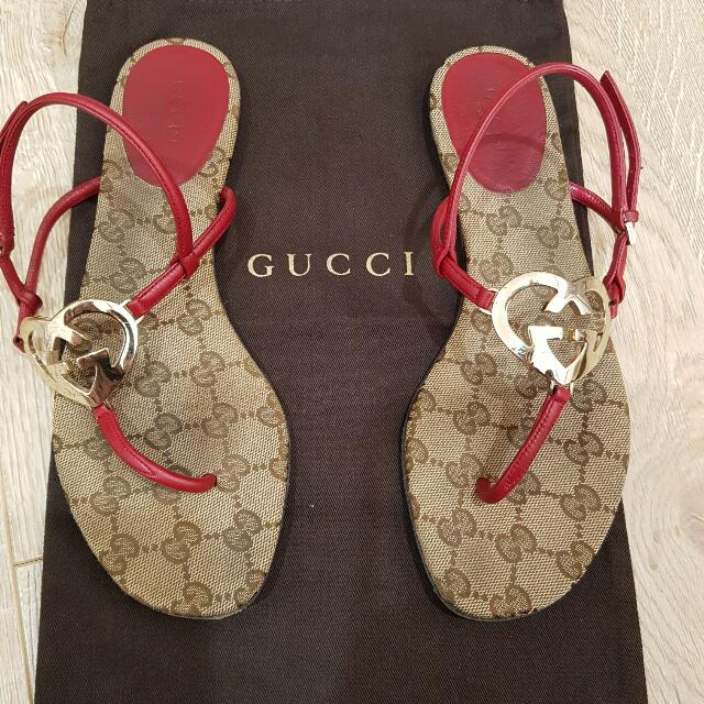Gucci Interlocking Heart Flat Sandals Size 37