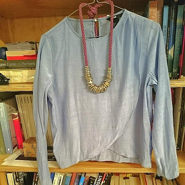 H&M Cropped Blue Shirt + Free Sportsgirl Necklace