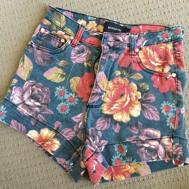 Minkpink Floral Shorts — Size XS