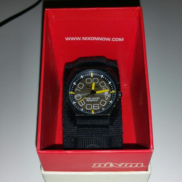 NIXON Waterproof Watch