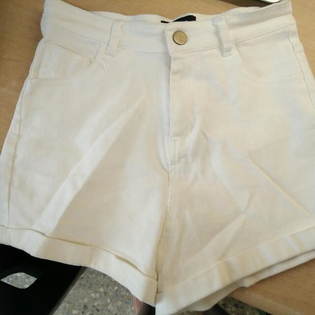 白色高腰牛仔短褲S-保留