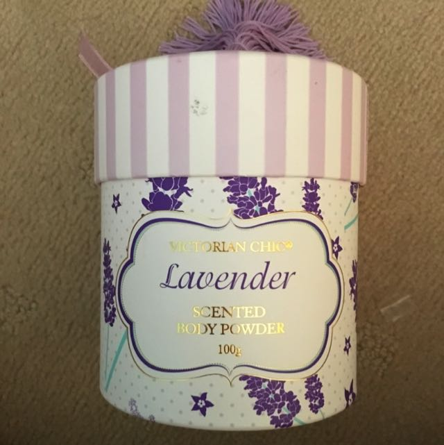 Victorian Chic Lavender Scented Body Powder