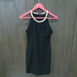 Little Black Dress Mutiara