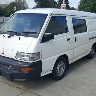 Mitsubishi Express Van 2011