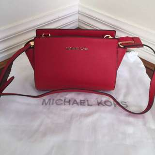 Amazing Michael Kors Messenger Saffiano Leather  Bag