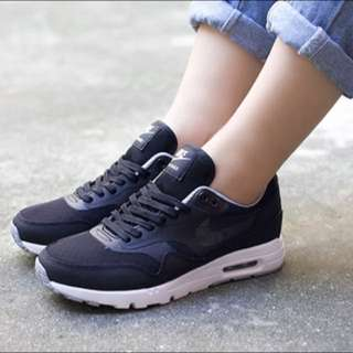 Nike Wmns Air Max 1 Ultra 全黑