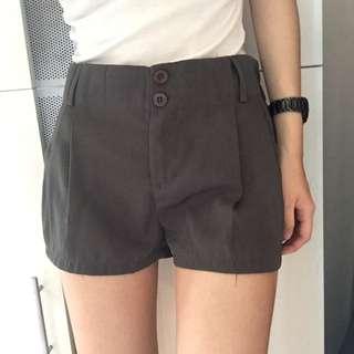 墨綠色西裝短褲