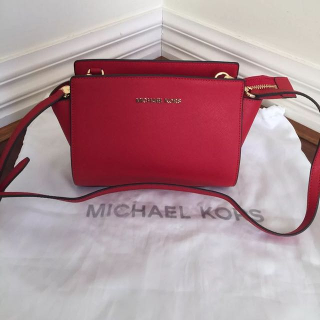 Amazing Michael Kors Messenger Saffiano Leather  Bag
