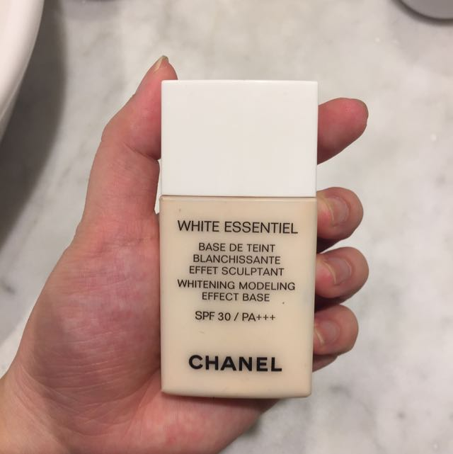 Chanel White Essential Base
