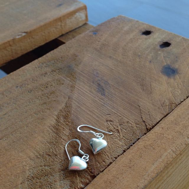 Dangle Heart Earrings!