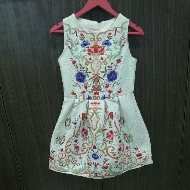 Dress Putih Floral