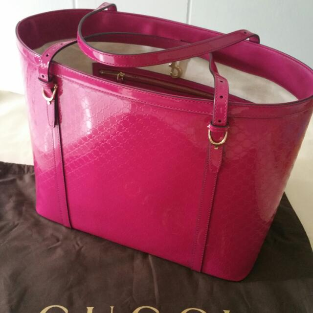 6982bf301fb Gucci Micro guccissima Glossy Patent Leather Tote Bag