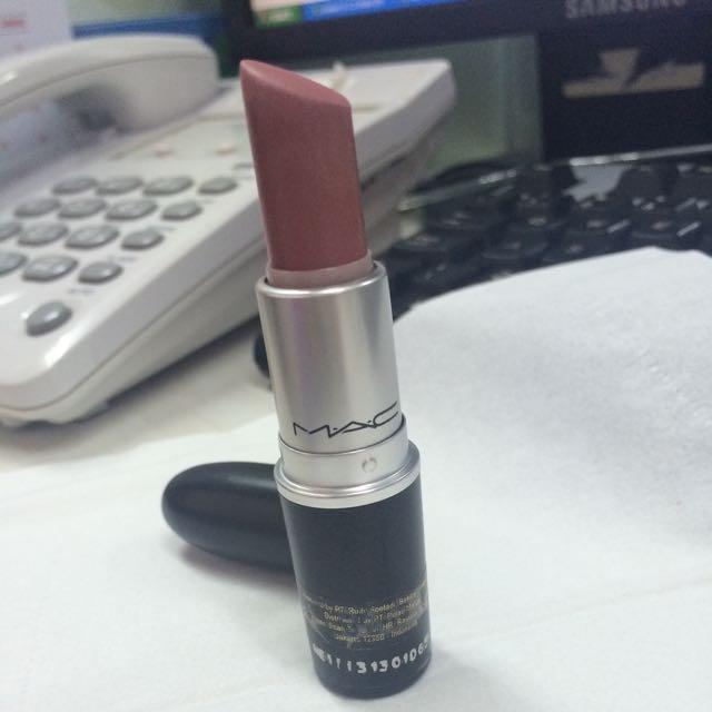 mac lipstick FAUX