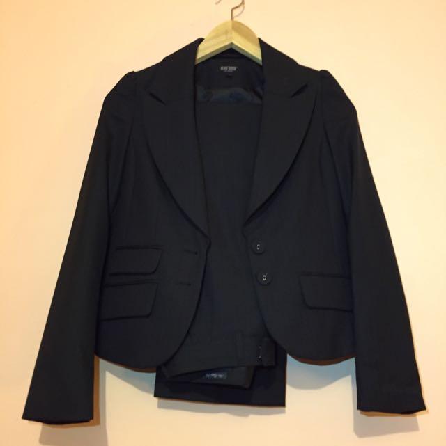 Oxford Women's Suit - Size 6