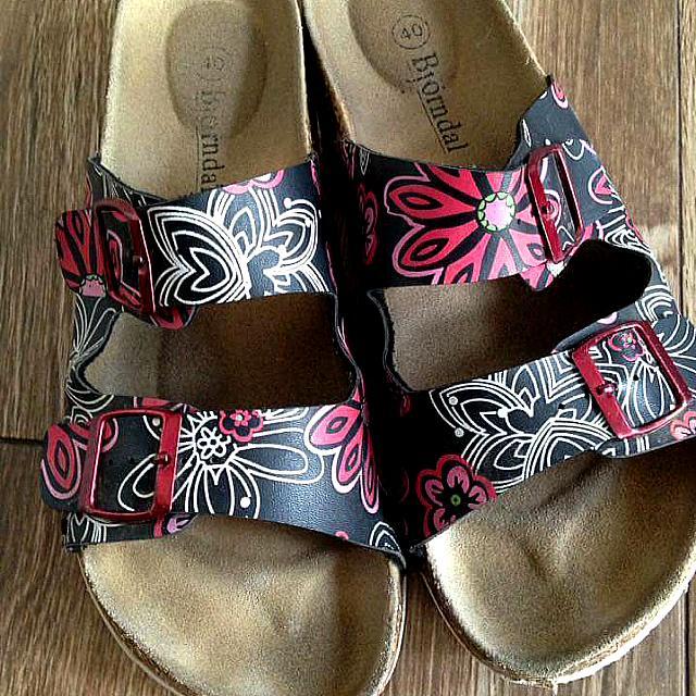 Loved Sandals Bjorndal Pre Bjorndal Loved Sandals Loved Pre Pre LqSGMUzpV