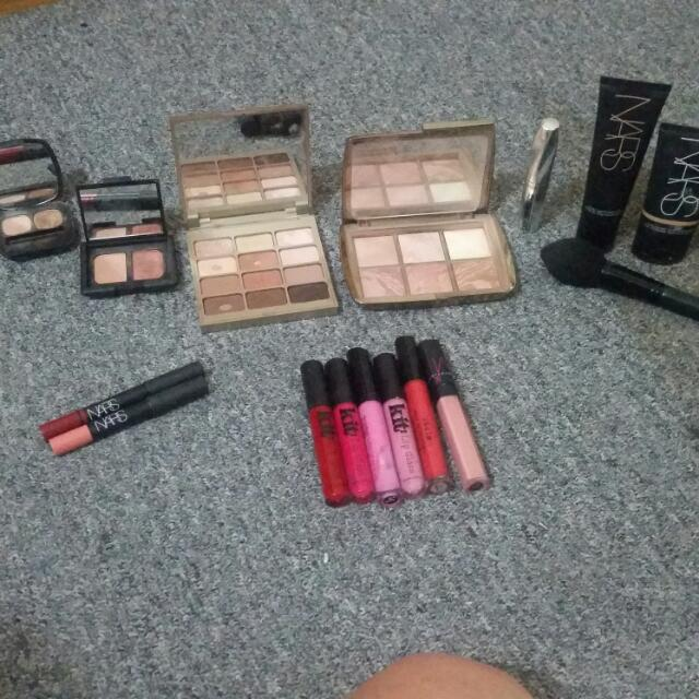 Selling Bundle Pack Of Make Up As I'm Clearing Out Kit