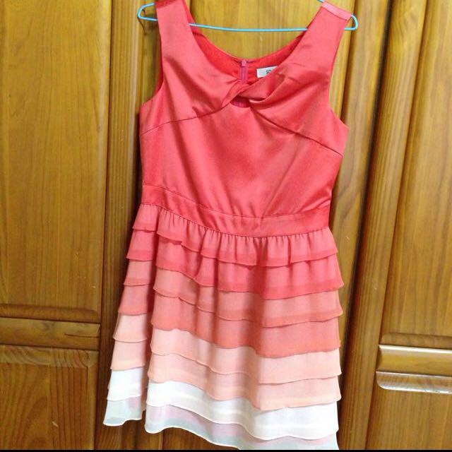 (暫不售)全新✨So Nice緞面洋裝 漸層蛋糕裙