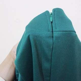 Rok panjang hijau Zaskia Sungkar