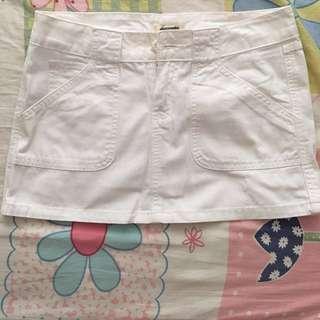 AF白色短裙