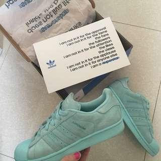 Suede Adidas Superstars