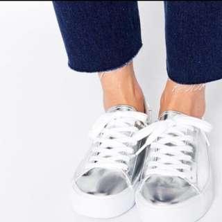 Asos銀色休閒鞋