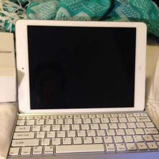 iPad Air 1 Wifi 32gb With Keyboard And Box