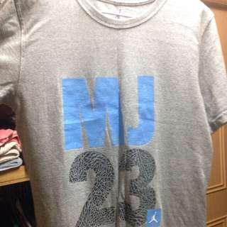 Jordan 喬丹 T恤 灰 23 S號 男生