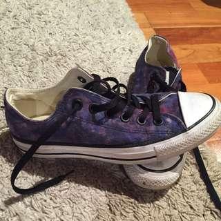 Converse Chuck Size 7