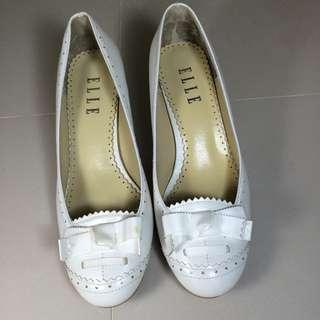 二手 ELLE專櫃 白色跟鞋 誠可議