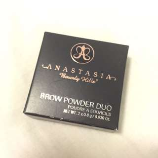Anastasia Beverly Hills - Brow Powder Duo (Dark Brown)