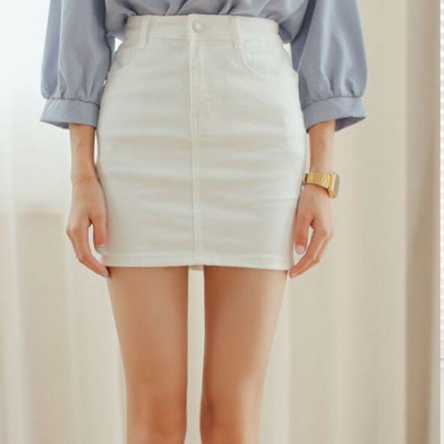 白色高腰裙