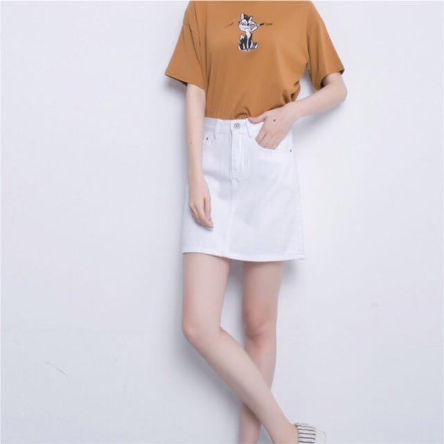 白色A字裙