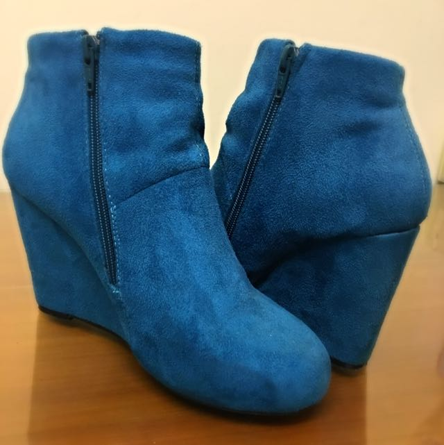 Size8 suede boots