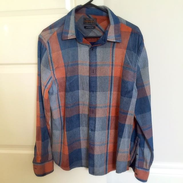 Industrie Shirt - Medium