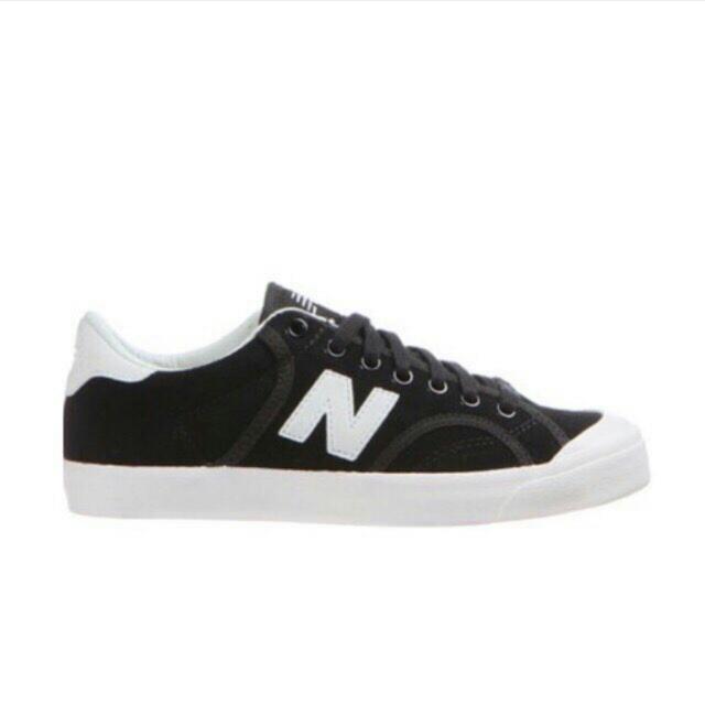 黑色New Blance帆布鞋