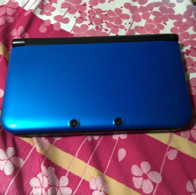 Nintendo 3ds XL with 4GB memory card