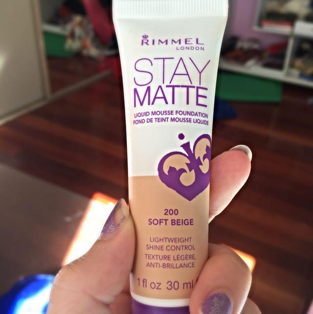 Rimmel Stay Matte foundation (soft beige)