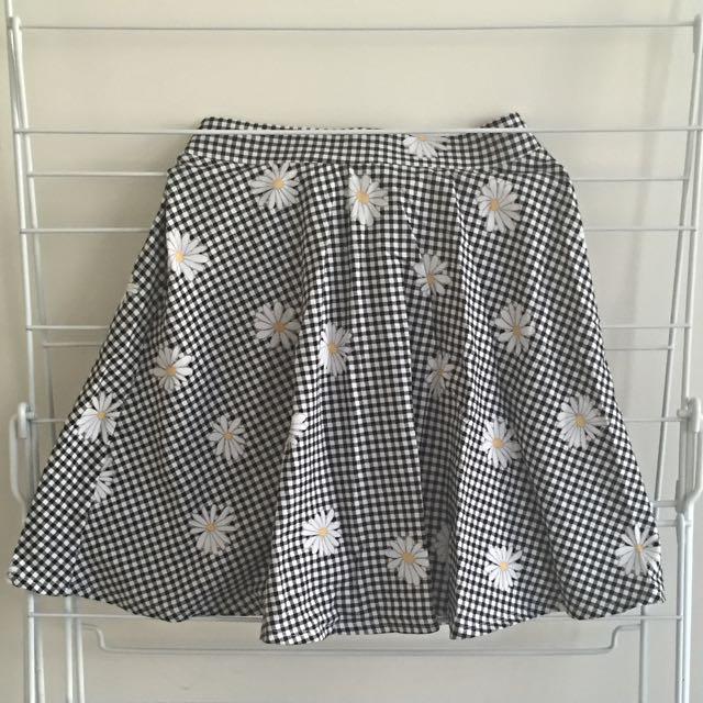 Size XXS Checkered Daisy Skirt By Sportsgirl