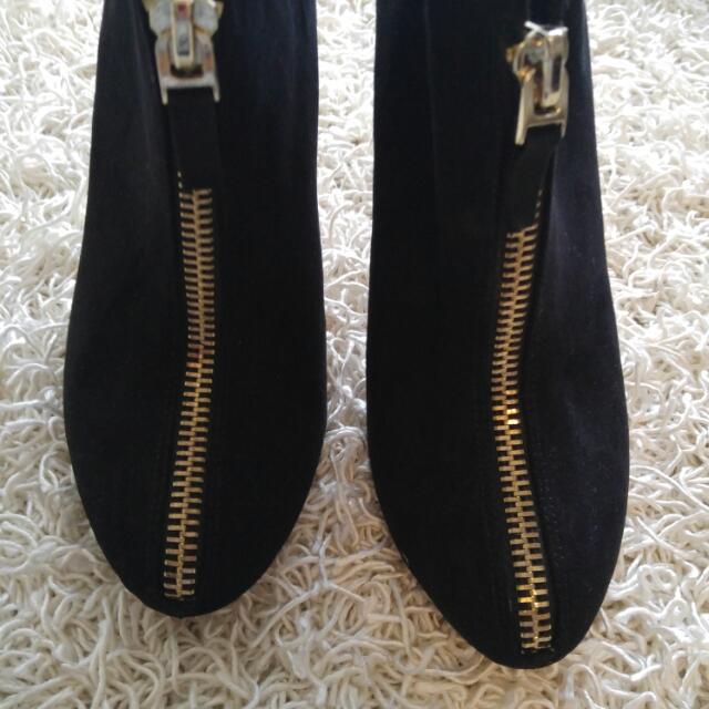 Zara Heels Size 8