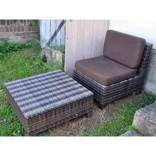 Outdoor Lounge Chair with Coffee Table