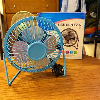 免費贈送)4吋USB風扇 藍色 夏日辦公室武器 桌上扇