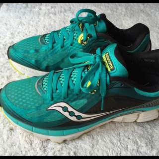 Saucony Kinvara 5 (US 8.5, UK 7.5, EU 44)
