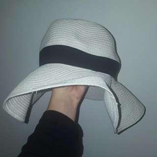 Collett Beach Hat