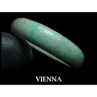 《A貨翡翠》【VIENNA】《手圍20.3/17mm版寬》緬甸玉\冰種美麗泛紫嫩青蜜花\玉鐲\手鐲H+046