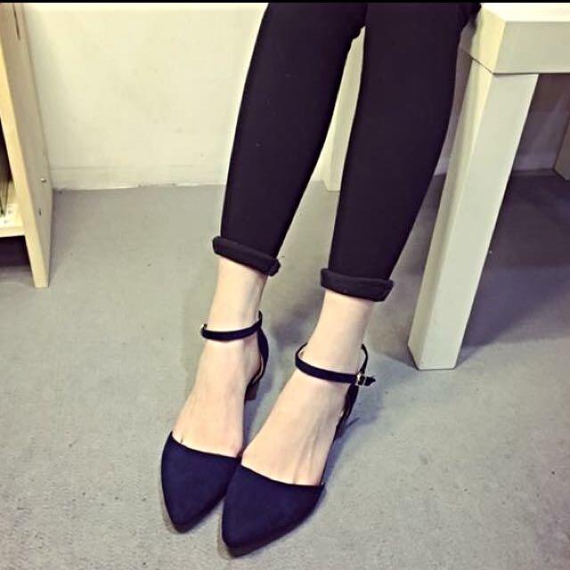 ‼️‼️降價⚡️絨面尖頭小低跟高跟鞋