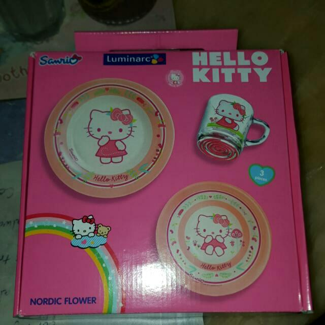 BNIB: Hello Kitty 3pc Dining set Luminarc Nordic Flower
