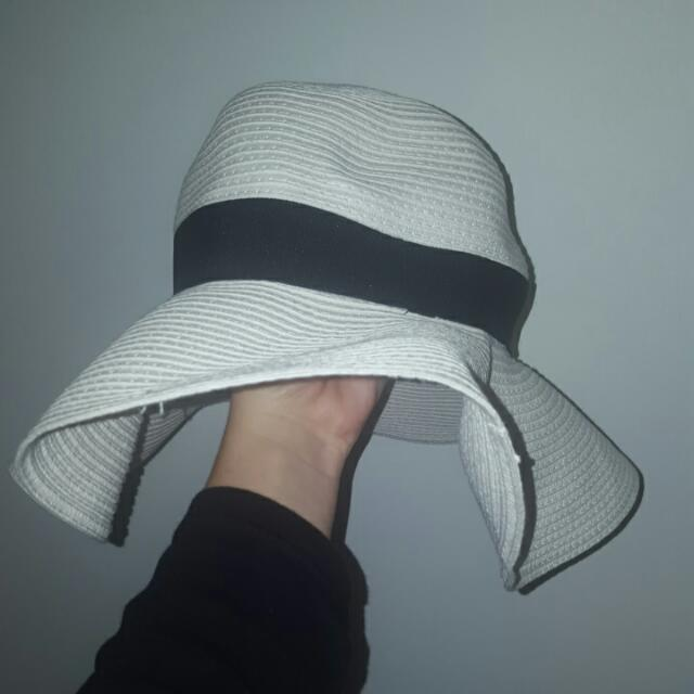 Collett Beach Hat